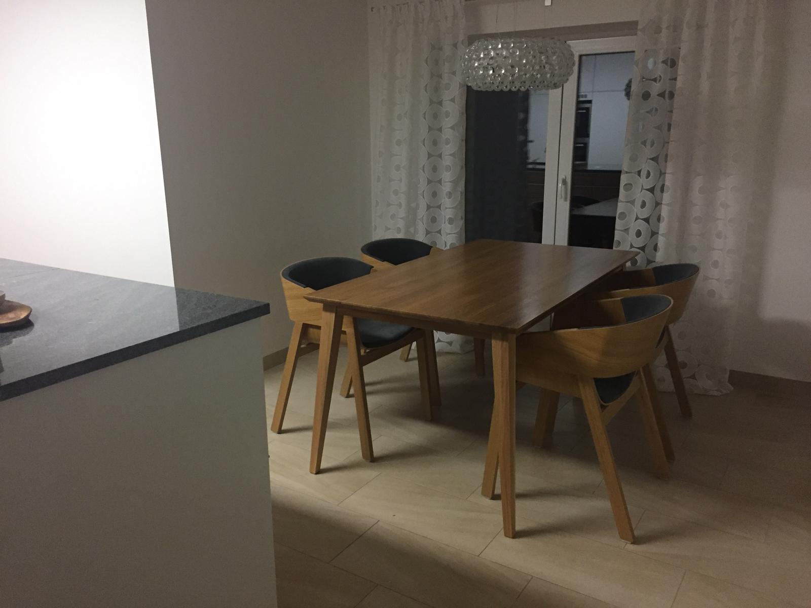 Dům už máme postavený, teď z něho děláme DOMOV - pro @nela94 - celý stůl
