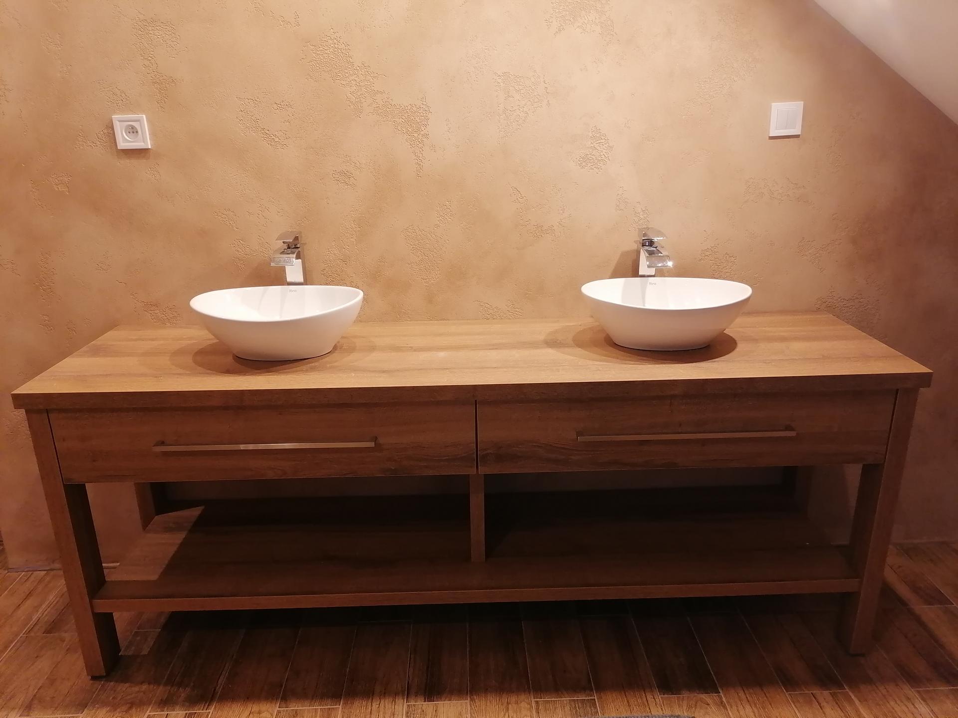 Náš český farmhouse ❤️ - Po dvou měsících máme v koupelně umyvadla..