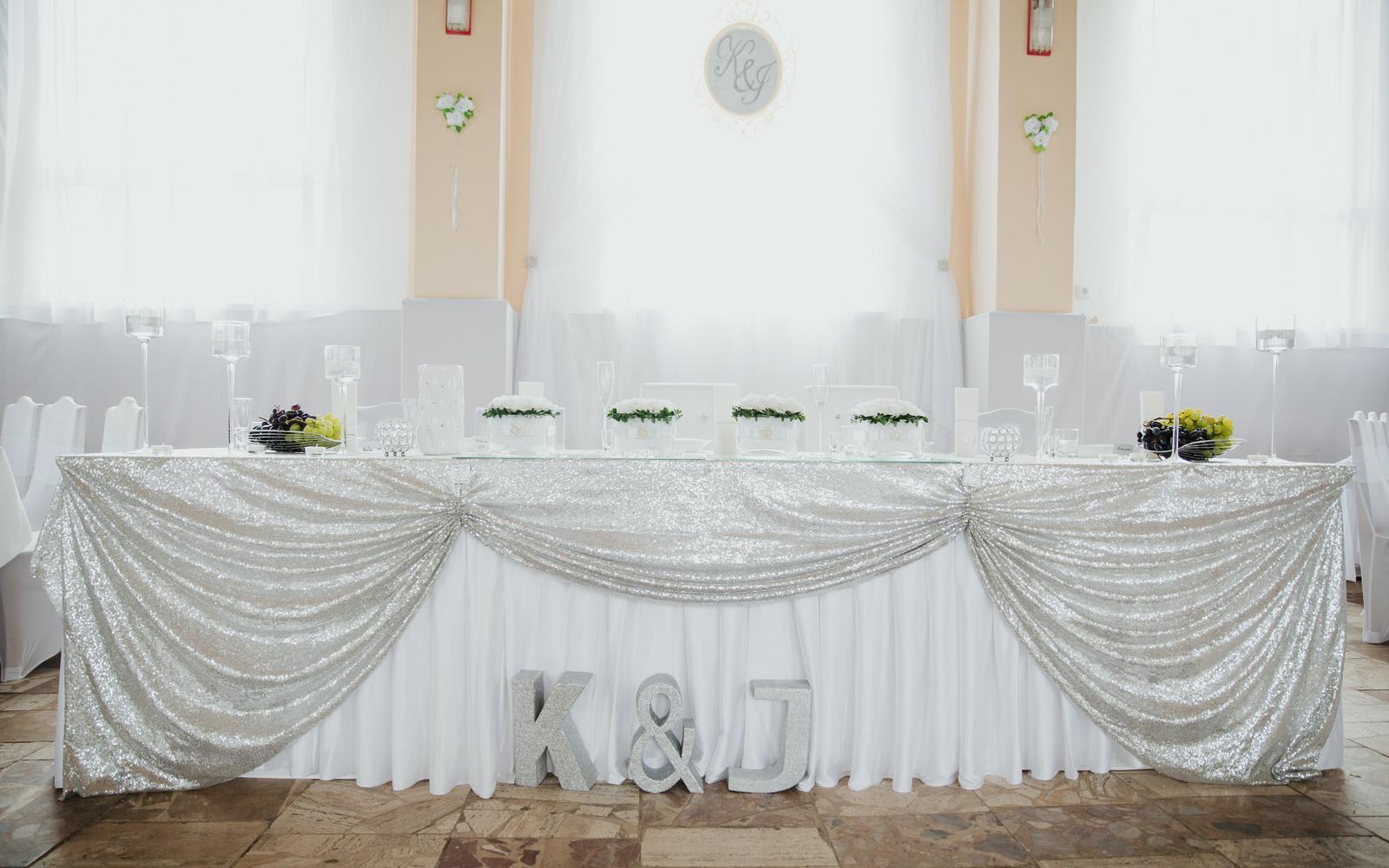 Naša výzdoba - náš najkrajší deň :-) - Hlavný stôl :-)