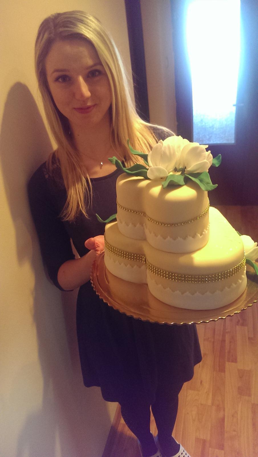 Takú krásnu bezlepkovú tortičku som dostala ako prekvapenie od drahého na narodeniny  :) - Obrázok č. 1