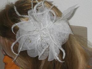 tak kvetinka do vlasov číslo 2 .. neviem, ktorú použijem