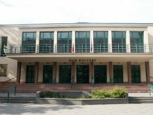 ...hostina sa bude konať v krásne zrenovovanom Dome kultúry v Prievidzi...zajednaná bola 19.3.2008
