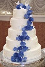 naša hlavná torta....ale poschodia budú len tri...