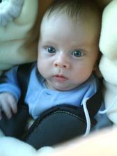 náš malý Alexej, ktorý sa nám narodil 14.9.2009 o 10.20 v bojnickej nemocnici...je to naše malé zlaté modroočko...:-D