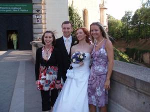 s kamarátkou Munďou a susedkou Ivkou...