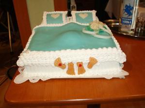 naša slávna posteľová torta...nožičky z marcipánu som vyrábala vlastnoručne...