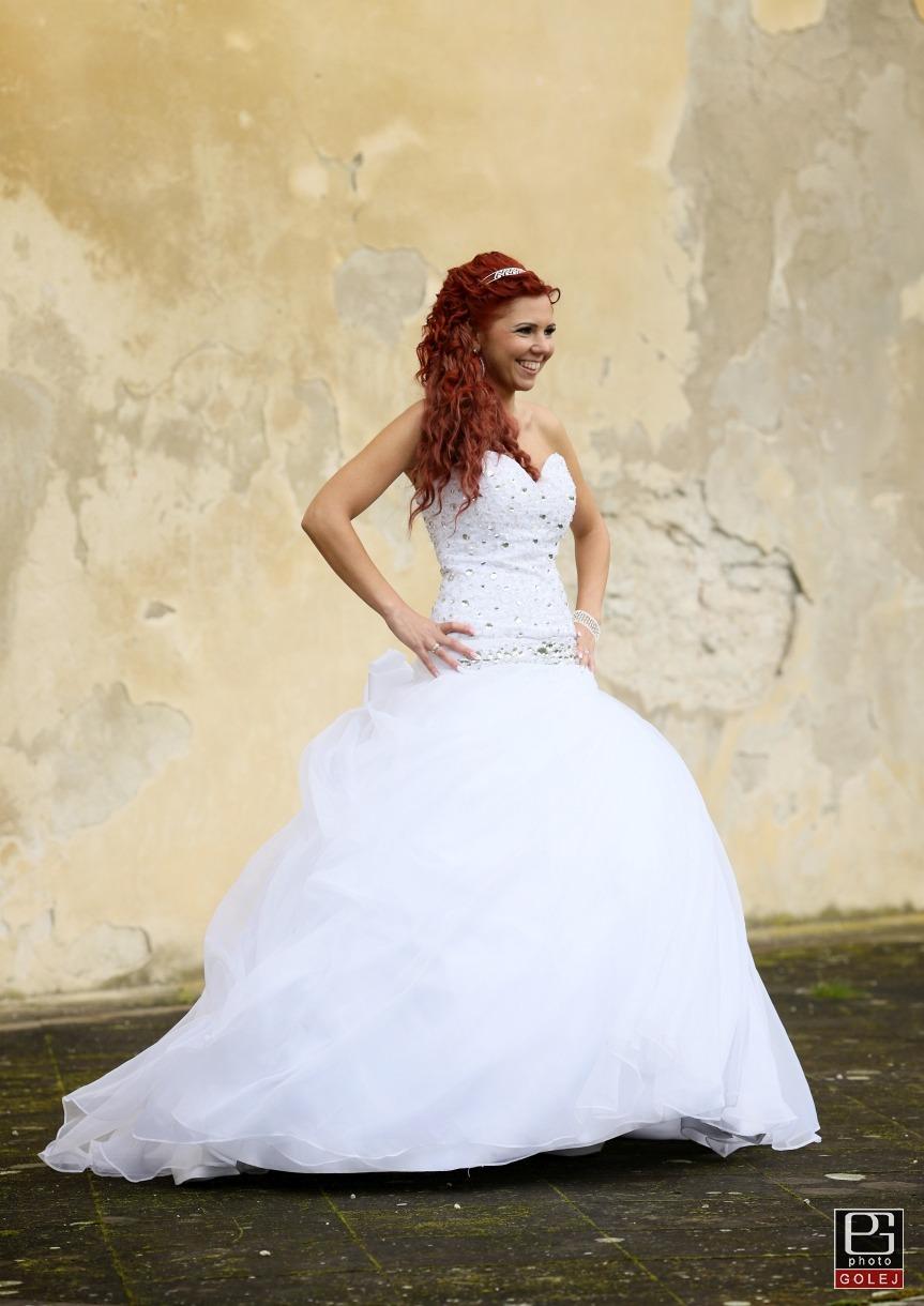 svadobné šaty swarovski - Obrázok č. 3