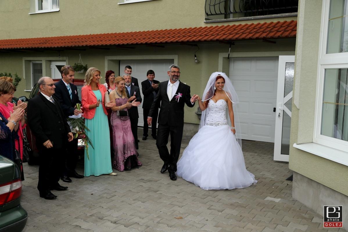 svadobné šaty swarovski - Obrázok č. 4