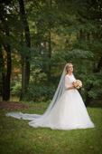Rozprávkové svadobné šaty, spodnica, závoj atď., 38