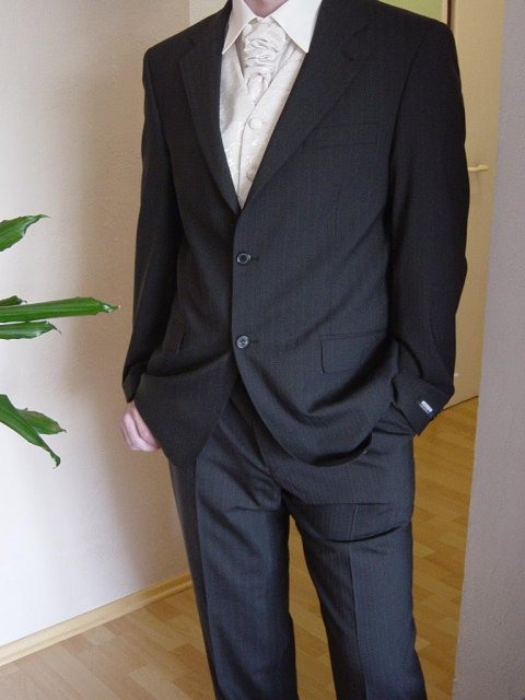 """22.9.2007 o 16:00 - tak toto je """"môj ženích"""" :) vo svadobnom"""