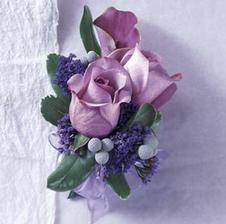 Na klopu ženichovi, ale v barvě svatby