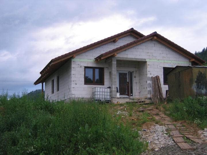 Nas domcek-upraveny bungalov 881 Euroline - už máme aj vchodové dvere