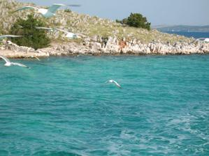 Výlet lodí na Kornati - kde je prý z vesmíru nejazurovější moře na světě.