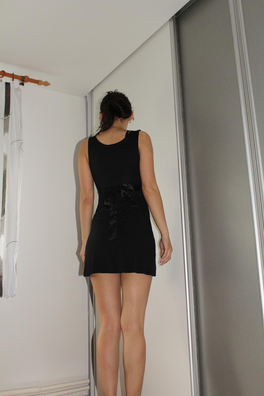 Čierne šaty krátke - Obrázok č. 3
