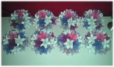 Všech osm kytiček na svatební tabuli. :)