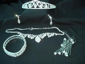 A všechny šperky pohromadě