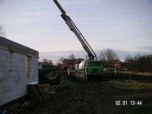 práce na věnci domu