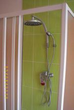 zde se sprchujem