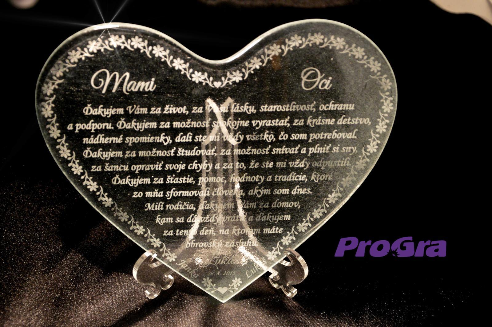 Poděkování rodičům - Skleněné srdíčko gravírované osobním textem - Poděkování rodičům - krásný dárek k svatbě - v naší nabídce