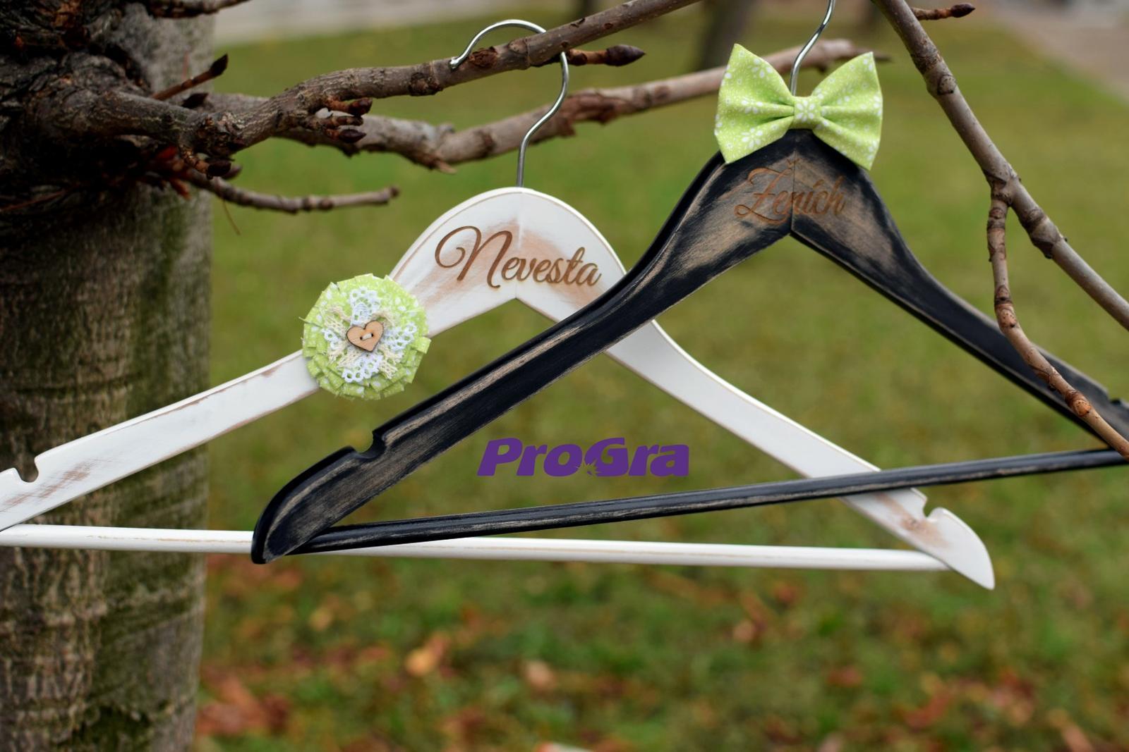 Originální Svatební Doplňky - Svatební vintage věšáčky VII