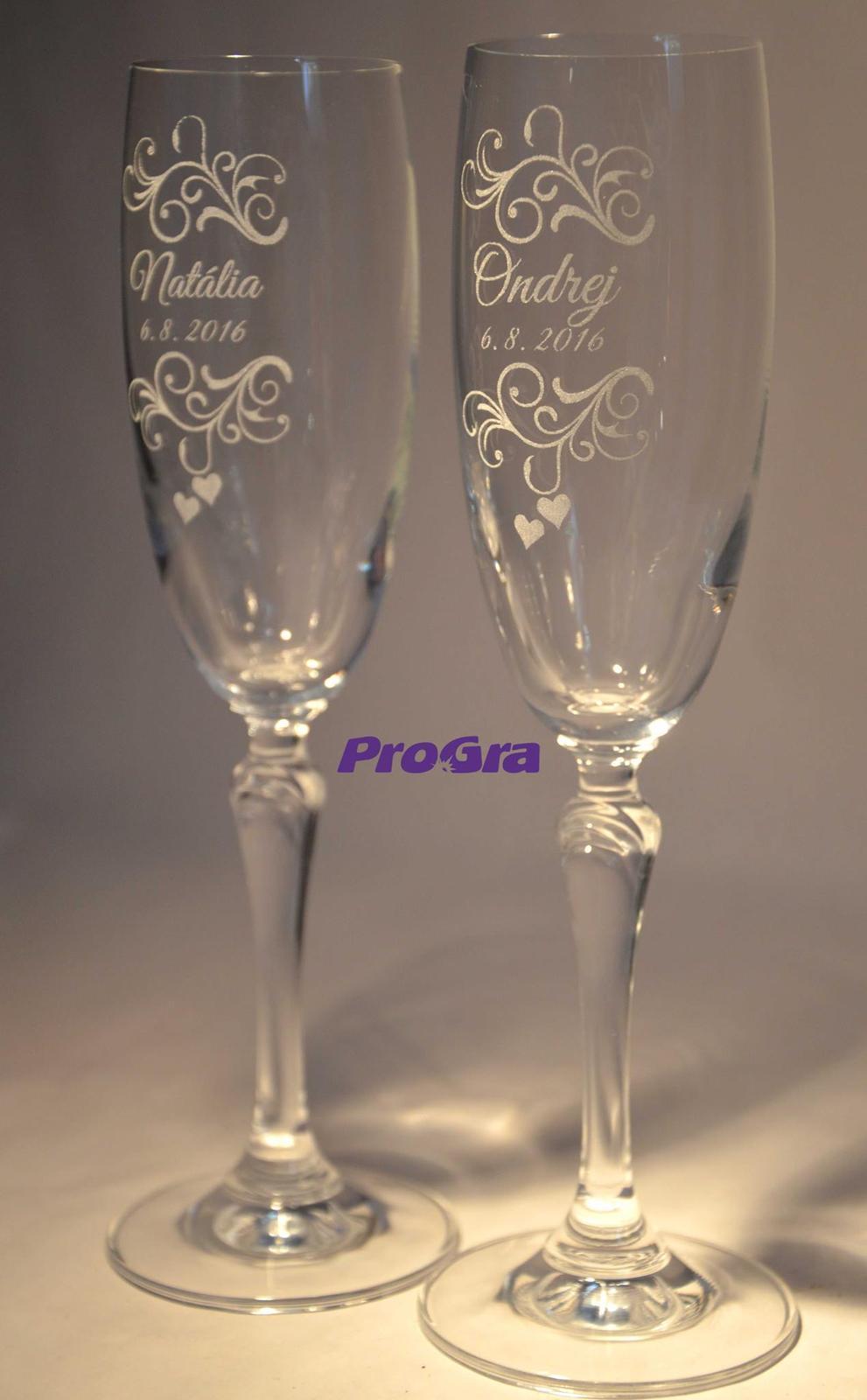 Svatební skleničky - Svatební skleničky Corynne gravírované grafikou č.31