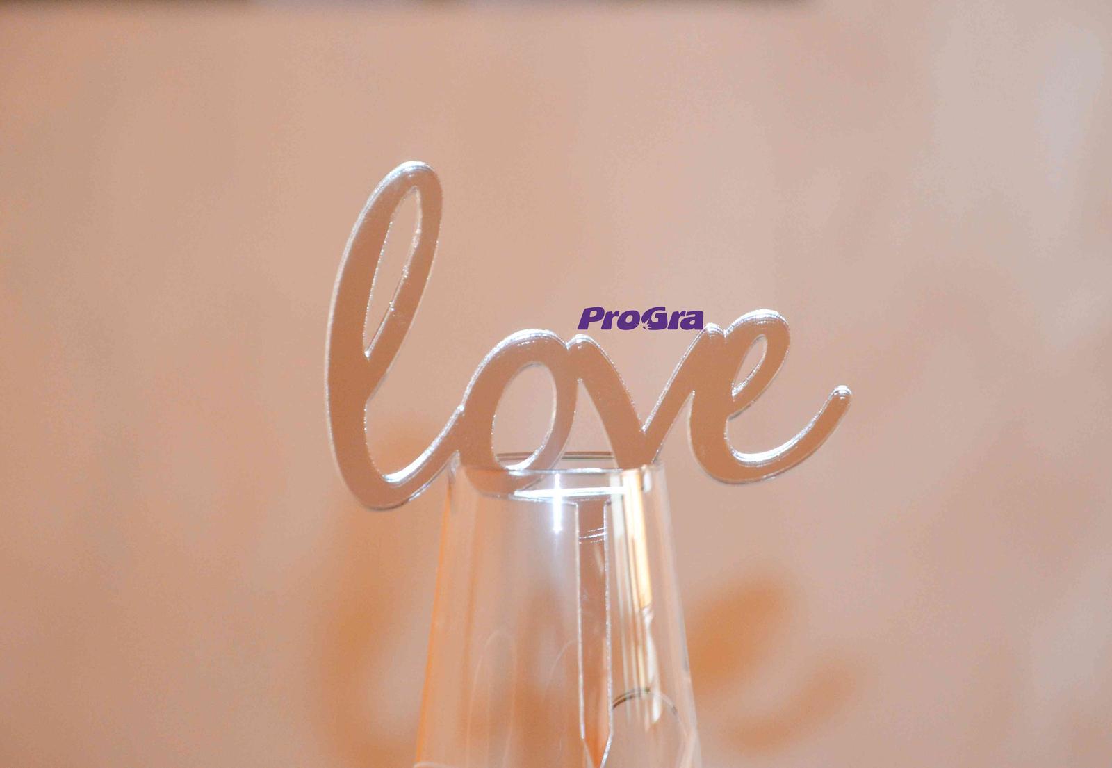 Originální Svatební Doplňky - Decentní zrcadlový zápis ze stříbrného plastu - vyrobíme ho pro Vás na míru.