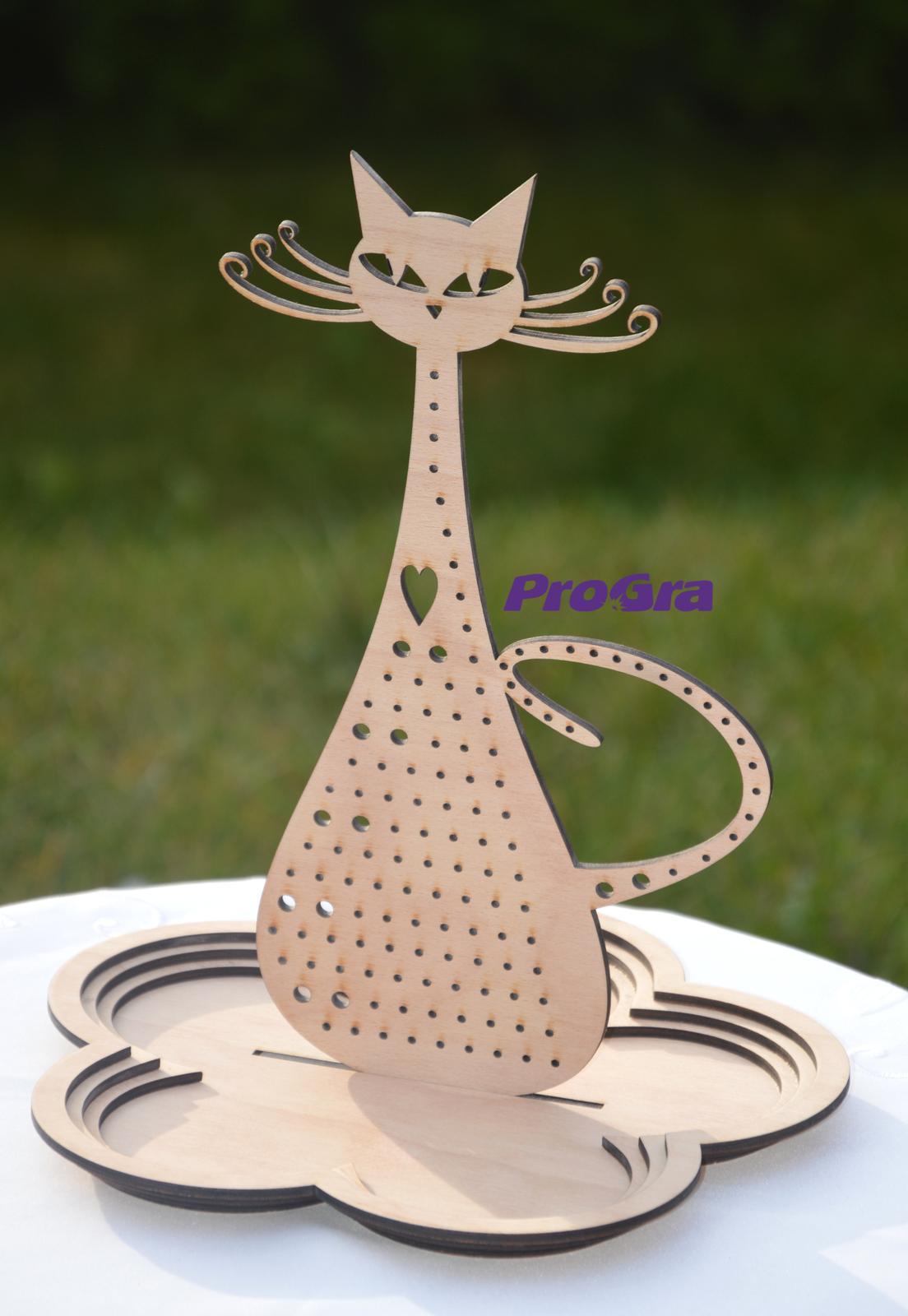Po svatbě - Mica - parádnica - stojan na šperky