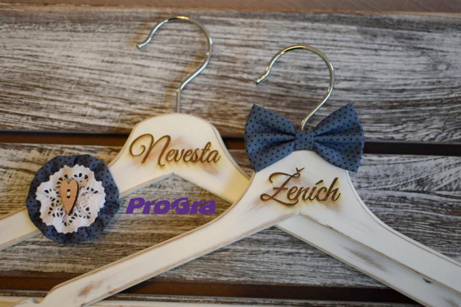 Originální Svatební Doplňky - svatební vintage věšáčky modré