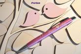 Pero, ktoré je nutné objednať zvlášť, Vám vieme zladiť k želanej farbe svadobného obrazu