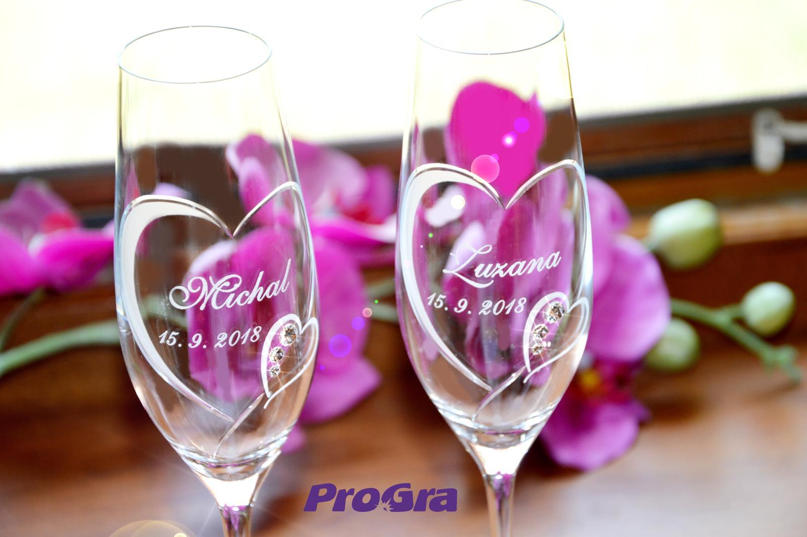 Svatební skleničky - Překrásné svatební poháry Clara Vám mohou zkrášlit nejen oslavení svatebního dne, ale i výročí případně jiné svátky :-)
