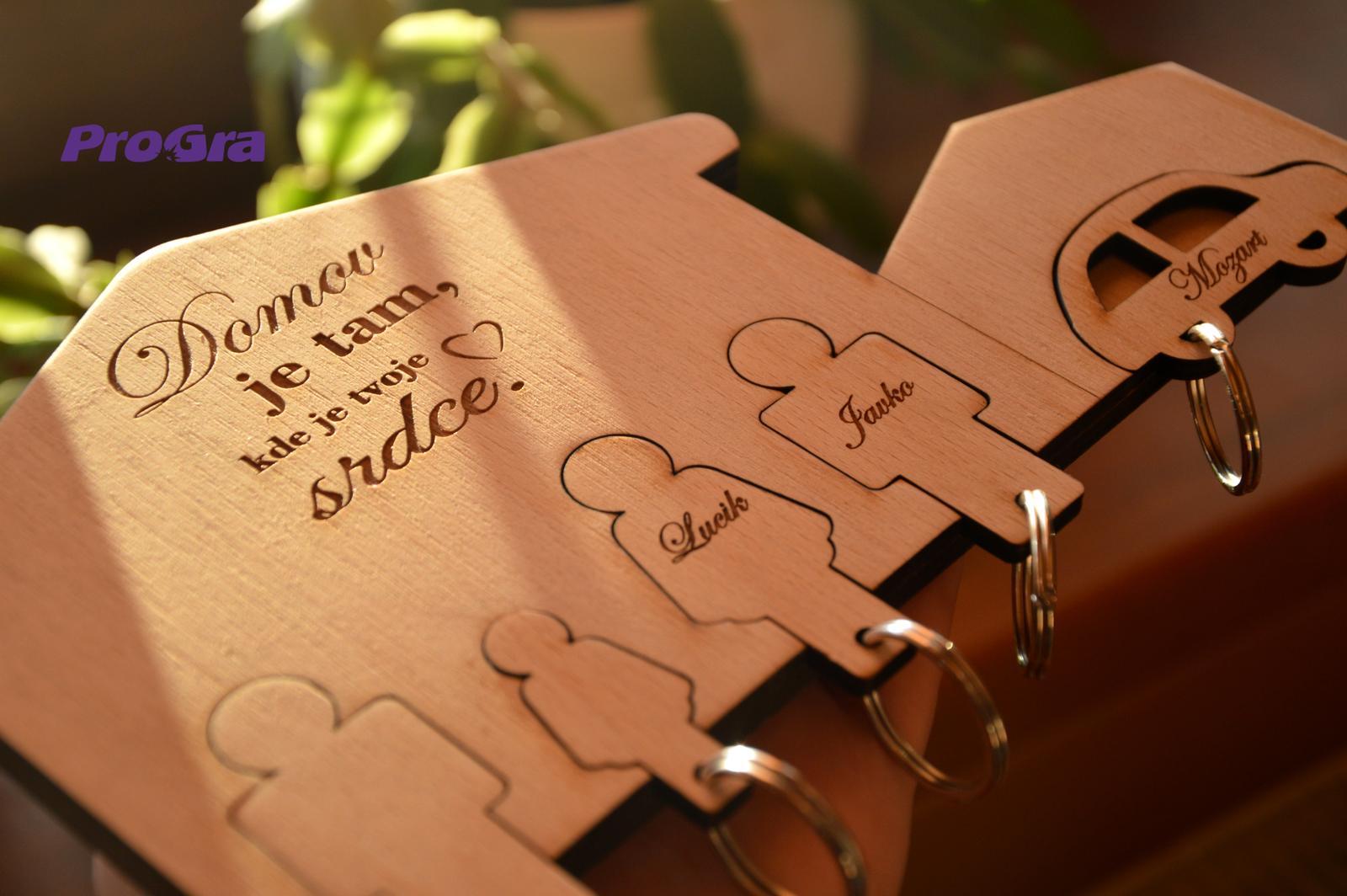 Po svatbě - Domeček na klíče 4 postavičky a garáž