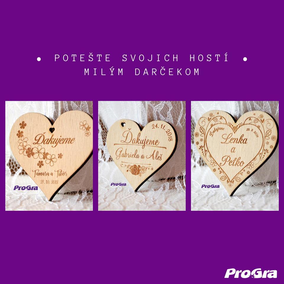 Originální Svatební Doplňky - 💝 Drobnôstka darovaná z lásky, ktorá poteší všetkých svadobných hostí 💝 Drevené svadobné magnetky pre Vás vygravírujeme za skvelú letnú cenu 🙏 #progra_sk