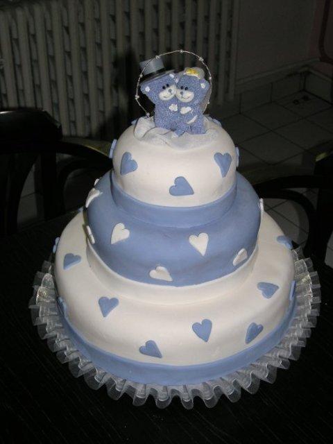 ♥ja+on=MY♥ - jedna z tortičiek určite :) lenže fialková