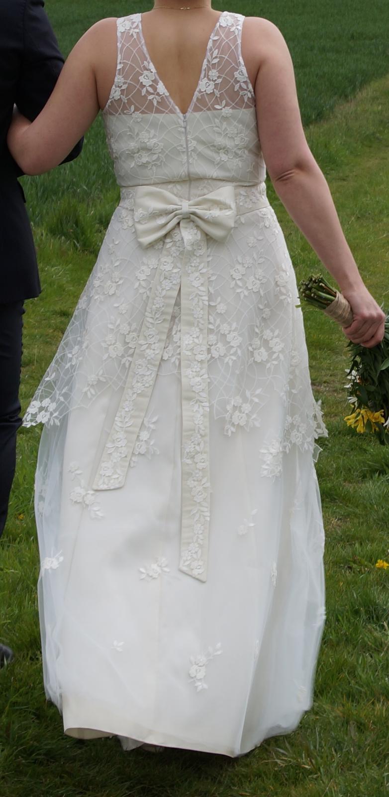 Ručně šité, 1x nošené svatební šaty, postava 170cm - Obrázek č. 3