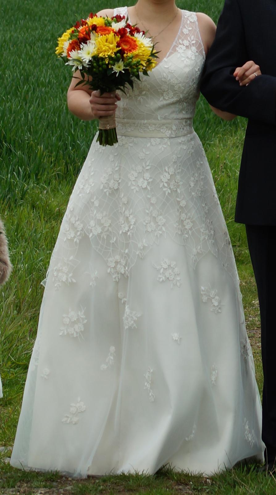 Ručně šité, 1x nošené svatební šaty, postava 170cm - Obrázek č. 4