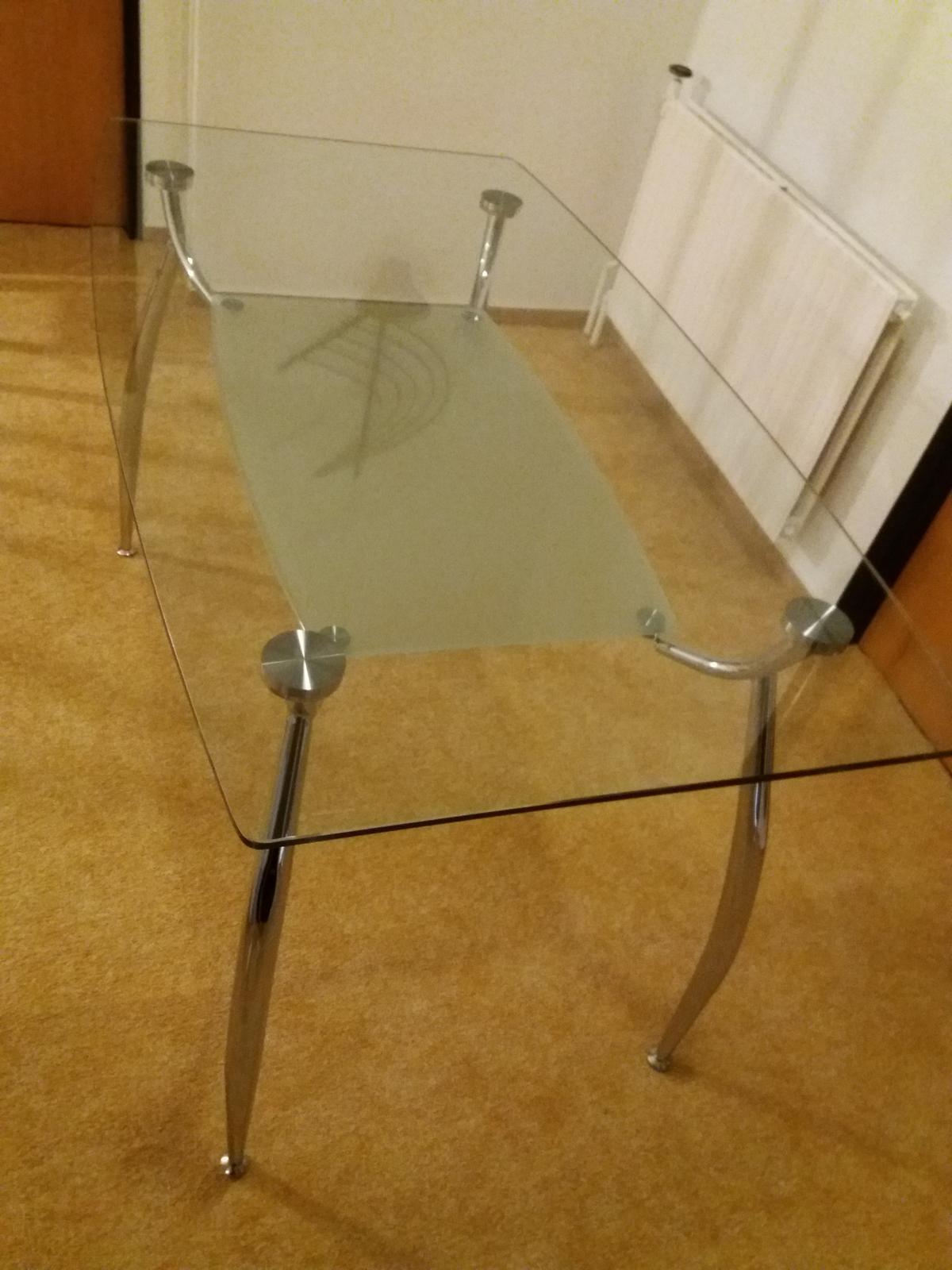 Skleněný jídelní stůl ( a proutěné židle zdarma) - Obrázek č. 2