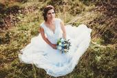 Vzdušné svatební šaty na malou nevěstu, 36