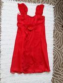 Červené nenosené šaty, M
