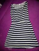 pásikavé moderné šaty, S