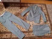 Sivý oblek, M
