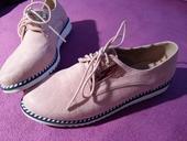 Púdrové topánky, 39
