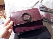 Malá bordová kabelka , S