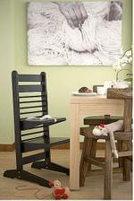 Rastúca stolička.... a ako dobre vyzerá kombinácia troch farieb dreva