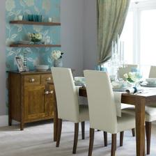 V kombinácii s bielou podlahou a tmavým nábytkom z masívneho dreva dodá pocit poctivého interiéru