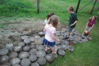 Toto vraj deti majú radi... lacné a užitočné... len dreva treba dobre ošetriť, alebo často vymieňať...