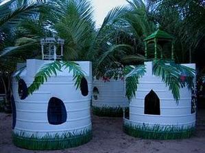 Aj staré nádrže na vodu sa možu premeniť na domčeky pre deti...