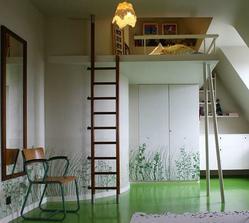 Loft pre staršieho školáka... tie trávové tapety na bielom podklade sú skvelé