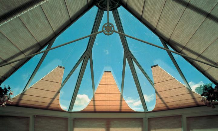 O verande (a spol) - Dalšie plisé... čo len návrhári zatienenia nevymyslia...