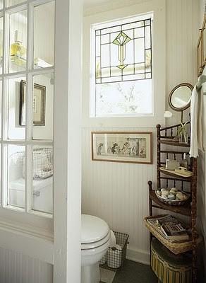 Vidiecke kúpeľne - Vitráž je vždy dobrá :-)