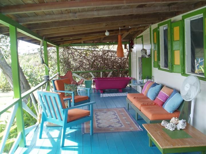 O verande (a spol) - totálne roznofarebná